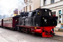Dampfzug Molli in der Innenstadt von Bad Doberan