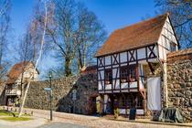 Wiekhäuser in der Stadtmauer von Neubrandenburg