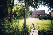 Feriewohnung Herzwolde Lutowsee Hausansicht Steg