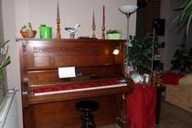 Zimmer Tramm Mecklenburger Seenplatte Klavier