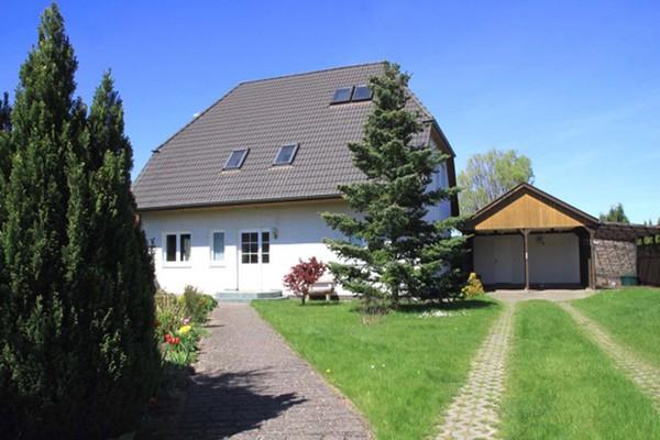 Ferienwohnung Ahrenshagen Daskow Ostseeküste Hausansicht