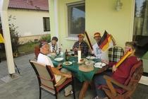 Ferienhaus Dabel Holzendorfer See feiern auf der Terrasse