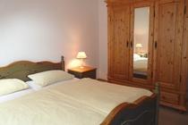 Ferienwohnung Nähe Ostsee Sagerheide Schlafzimmer Kleiderschrank