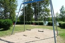 Mecklenburger Seenplatte Ferienhaus am See Spielplatz
