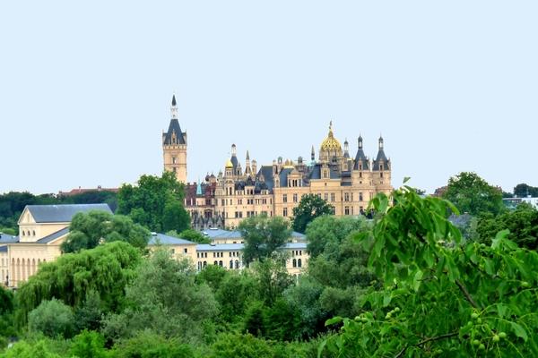 Ferienwohnung Schwerin am See Blick zum Schloss