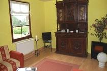 Ferienhaus Nähe Usedom Salchow Wohnzimmer alter Schrank