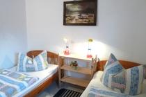 Ferienwohnung Mecklenburgische Seenplatte Dabel Holzendorfer See Schlafzimmer mit zwei Betten