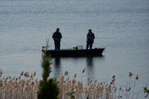Ferienwohnung Mecklenburgische Seenplatte Dabel Holzendorfer See Angler auf dem Boot