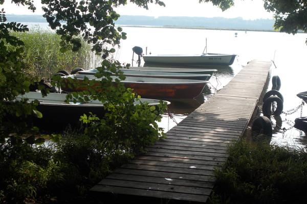 Ferienhaus Wustrow Tollensesee Boots- und Badesteg