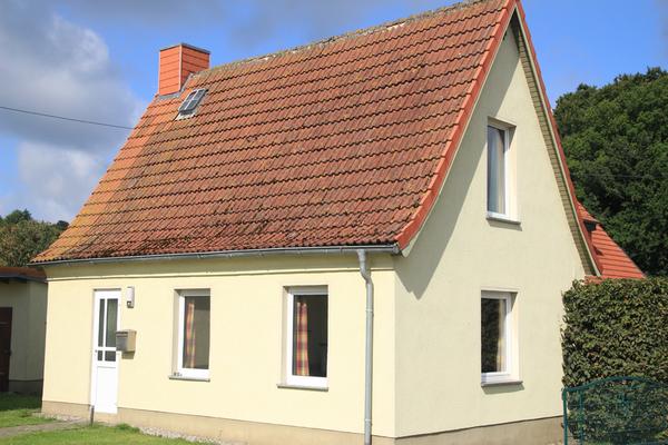 Ferienhaus Pantow Rügen Ostsee Hausansicht