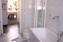 Das Bad der großen Wohnung