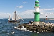 Segelschiff vor Warnemünde / Mecklenburgische Ostseeküste